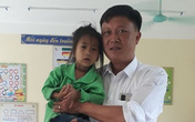 Xót xa trước bé gái 6 tuổi chỉ cao 79cm, nặng 7kg ở cao nguyên đá Hà Giang