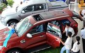Tồn kho chục ngàn chiếc, ô tô chỉ còn nước giảm giá tháo hàng