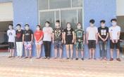 Đang bị truy nã tại Trung Quốc, nhóm đối tượng trốn sang Việt Nam thuê nhà đánh bạc