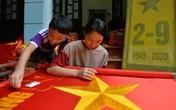 Ngôi làng gần một thế kỷ sản xuất cờ Tổ quốc ở ngoại ô Hà Nội