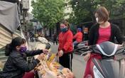 Dịch COVID-19 diễn biến phức tạp, người Hà Nội cứ ra khỏi nhà là đeo khẩu trang