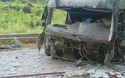 Lai Châu: Tông vào vách tránh ven đường, tài xế cùng phụ xe tử vong tại chỗ