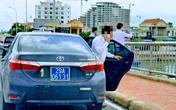 Quảng Bình lên tiếng về lý do 4 xe biển xanh dừng trên cầu Nhật Lệ chụp ảnh