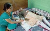Cụ bà 82 tuổi bị bỏng nặng khi nấu ăn được cứu sống ngoạn mục