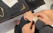 Đại gia mua đồng hồ dát kim cương hơn 1 tỷ đồng tặng bạn gái dịp Valentine