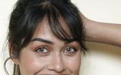 Hoa hậu Anh 2019 cởi bỏ vương miện, quay về làm bác sĩ chống dịch