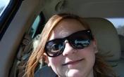 Chụp ảnh selfie, bé gái sau đó mới phát hiện gương mặt kì lạ phía sau và tin rằng nó có liên quan đến vụ tai nạn 1 năm trước