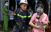 Nhà nghỉ bốc cháy, công an giải cứu 14 người