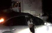 Cán bộ quân đội tử vong sau va chạm với xe container