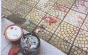 Nồi cơm điện rơi từ tầng cao chung cư ở Hà Nội vỡ tung tóe không ai nhận trách nhiệm