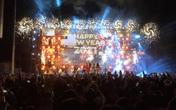"""Hàng ngàn người """"quên lạnh"""" trong đêm Phong Nha Countdown Party 2021"""