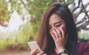 Cần tiền gấp nên giấu chị dâu hỏi vay tiền anh trai, khi nhận được tin nhắn chuyển khoản mà tôi bật khóc hối hận