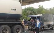 Xe tải tông đuôi xe bồn trên cao tốc, tài xế tử vong trong cabin