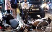 """Hà Nội: Ô tô """"điên"""" tông hàng loạt xe máy trên phố Thái Thịnh"""