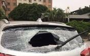 Hà Nội: Ô tô bị kẻ lạ mặt đập vỡ kính khi đỗ dưới chân tòa nhà khu đô thị Xa La