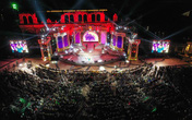 Hàng nghìn người bùng nổ trong Đại nhạc hội New Year countdown 2021 Nam Phú Quốc