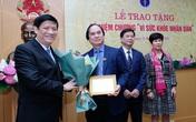 """Trao Kỷ niệm chương """"Vì sức khoẻ nhân dân"""" cho nhiều đồng chí thuộc các Ban Xây dựng Đảng của Trung ương"""