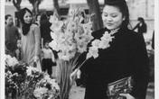 Hình ảnh cực hiếm về Tết Hà Nội cách đây hơn 60 năm: Ngắm sao thấy bồi hồi, thân thương đến lạ!