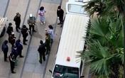 Lấy mẫu xét nghiệm khẩn một người Hàn Quốc đột tử ở chung cư Goldmark City