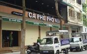 """Bất chấp """"lệnh"""" tạm dừng hoạt động, 2 quán cà phê phố Cổ Hà Nội tìm cách che mắt lực lượng chức năng để đón khách"""
