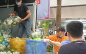 Hà Nội: Các điểm giải cứu nông sản xuất hiện khắp nơi