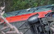 Xe khách giường nằm lao xuống vực ở Tuyên Quang, 1 người tử vong