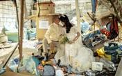 """Được nhà hảo tâm giúp đỡ, cặp đôi U60 nghèo nhặt ve chai """"quay ngoắt 180 độ"""" với bộ ảnh cưới đậm chất fashionista"""