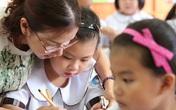 Giáo viên tiểu học có cách xếp hạng và xếp lương mới