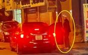 Truy tìm danh tính nam thanh niên cầm xẻng đánh, đạp vào đầu cô gái đi ô tô gây phẫn nộ dư luận