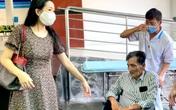 Nghệ sĩ Thương Tín xuất viện, hé lộ căn phòng trọ thiếu thốn