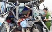 Vụ xe khách đâm đuôi xe đầu kéo ở Nghệ An: Tạm giữ hình sự lái xe khách