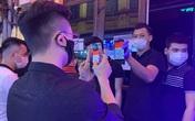 Hà Nội: Chen nhau khai báo y tế để vào quán bar, karaoke trong ngày đầu tiên mở cửa trở lại