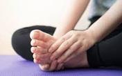 Có dấu hiệu này xuất hiện ở bàn chân thì đi khám ngay, đừng để lâu mà hối không kịp