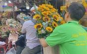 TP.HCM: Chợ hoa Hồ Thị Kỷ tấp nập người mua hoa ngày Quốc tế Phụ nữ