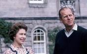 'Với tình yêu thương vô bờ, Nữ hoàng tiễn ông ra đi'