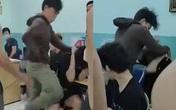2 thiếu niên bị bảo vệ dân phố tra tấn trong trường học đã được xuất viện
