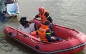 Tích cực tìm kiếm người phụ nữ nghi nhảy cầu Bến Thủy tự tử