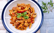 Ngon lạ món thịt kho củ cải khô