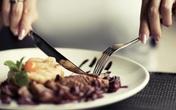 Đây là quy tắc lịch sự tối thiểu khi đi ăn nhà hàng, bạn đừng quên