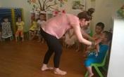 Trẻ làm quen với tiếng Anh từ 3 tuổi trong trường mầm non có phù hợp?