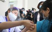 Một ngày, gần 15.000 người được tiêm vaccine COVID-19