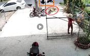 Đi sát vào lề đường, 2 bố con vẫn bị ô tô húc văng, biết được nguyên nhân ai nấy đều phẫn nộ