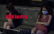 """Nhiều """"chân dài"""" đang bay lắc quán karaoke khi công an đột kích"""