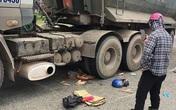 Xe máy bị cuốn vào gầm xe tải, 2 mẹ con tử vong ở Nghệ An