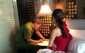 Hà Nội: Vừa môi giới, vừa cưỡng đoạt tiền của gái bán dâm