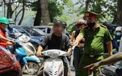 Hà Nội xử phạt hàng chục người không đeo khẩu trang chỉ trong 1 buổi sáng