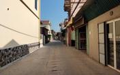 Khung cảnh làng xóm vắng vẻ sau khi có 7 ca mắc COVID-19 tại huyện Phúc Thọ (Hà Nội)
