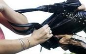 Bắt nhầm xe ôm, thiếu nữ bị tài xế cướp sạch