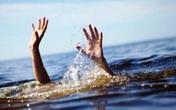 Nghệ An: Đến nhà ông chơi, hai cháu bé đuối nước thương tâm