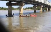 Tìm thấy thi thể cô gái nhảy cầu Bến Thủy tự tử